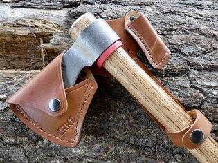 Kožené pouzdro Woods Kangee™ T-Hawk CRKT® - hnědé