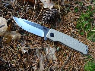 Zatvárací nôž SOG® Terminus - satin, coyote rukoväť