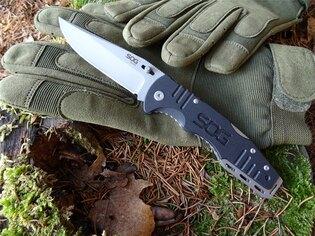 Zavírací nůž SOG® Salute
